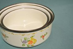 Beautiful Vintage 60s Flower Metal Mixing Bowl With Plastic Lid ...