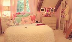 Cute teen room!