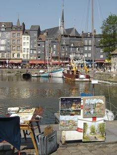 Honfleur harbour photo: Robert Bovington bovingtonbitsandblogs.blogspot.com