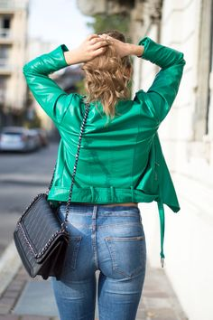 Green Leather jacket  www.ellysa.it #ootd #autumn #outfits #leather #jacket #jeans #fashionblogger