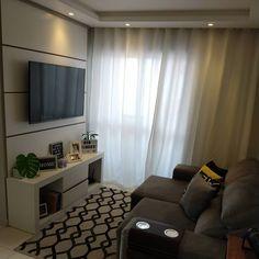 Sala pequena decorada: 70 inspirações e ideias para você! Simple Living Room Decor, Small Living Rooms, Furniture Placement, Home Cinemas, Interior Decorating, Interior Design, My Room, Sweet Home, House Design