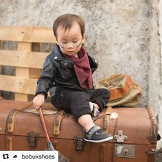 Les nouvelles Bobux sont arrivées ! #Repost @bobuxshoes (@get_repost)  Simple and stylish Black Edge sneakers are a hit for Winter. - - - - - #bobux #bobuxshoes #kidsfashion #kidsshoes #kidsofinstagram #newseason #wintercollection #family  #kids #shoes  #formandfunction #playdate #cutie #kidsofinstagram #instakids #kidsstyle #kidstrends #instastyle #minifashionista #kidsfashionblogger #toddlershoes #shoesoftheday #weekendadventures #instafashion #kidsstyle #instastyle #totsandtrends…