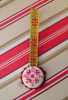 DIY Button Craft: DIY  Embroidery-redwork snowflake