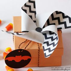 DIY pinwheel Halloween favor box toppers and Halloween favor tags using instant download printables! Simple last minute Halloween ideas for pretty decorations!   inspiration from Brenda's Wedding Blog using INSTANT DOWNLOAD printables from http://www.you-make-do-shop.com/ you can make right NOW!   