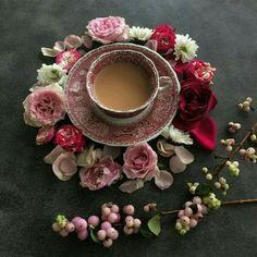 Coffee Dessert, Coffee Drinks, Raindrops And Roses, Good Morning Coffee, Breakfast Tea, Coffee Photography, Tea Art, I Love Coffee, Coffee Pics