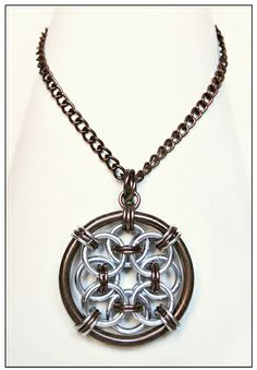 Curiosity Cabinet of XnPurPLe: Chainmail Necklaces @Bradley Huber Huber Poplin this looks like you too