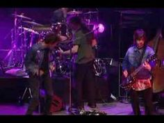 ▶ Take a Walk - Neil Finn + Eddie Vedder - YouTube