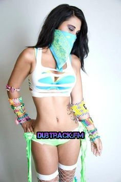 concert outfits, bandanas and rave girls. Rave Festival Outfits, Edm Festival, Festival Fashion, Rave Girls, Edm Girls, Edm Outfits, Raves, Rave Bra, Rave Costumes