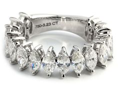 Ringweite: 54. Gewicht: ca. 7,4 g. WG 750. Beweglich gearbeiteter Memory-Ring mit Diamanten im Navetteschliff, zus. 3,23 ct. (1021752) (16) Half memory ring...