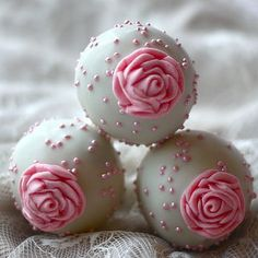Wedding cake pop. Love that idea and those colors! Rose and a light green!
