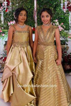 Viranica Manchu and her daughters wearing designer diamond chokers 1st Birthday Girl Dress, Baby Girl Party Dresses, Little Girl Dresses, Girls Dresses, Baby Girl Lehenga, Kids Lehenga, Kids Dress Wear, Kids Gown, Kids Blouse Designs