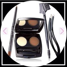 #POTWFIRDAY Lauren's Eyebrow Kit: The perfect brow set for all skin tones for natural-looking set of eyebrows including 3 shades! This set includes: Ergonomic Tweezer, Avon Pro Brow Brush, Perfect Eyebrow Kit, and Glimmerstick Brow Definer. *Direct Delivery Only* #Avon #AllThingsBeautyHere #AmanysAvon #Eyebrow #Makeup #Kit #Firday