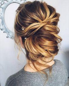Tonya Pushkareva Long Wedding Hairstyle for Bridal via tonyastylist / http://www.himisspuff.com/long-wedding-hairstyle-ideas-from-tonya-pushkareva/8/