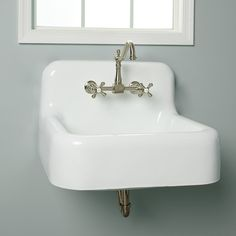 The Daisy Cast Iron Farm Sink is designed to resemble the cast iron sinks often found in kitchens of the 1920s. Similar to the beautiful rectangular sinks of yesteryears, this American farmhouse classic offers solid cast iron construction with an apron front and single basin design. Perfectly paired with farmhouse or modern decor, this sink remains a mainstay in homes of all sizes.