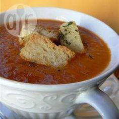 Sopa fría de tomate y romero @ allrecipes.com.ar
