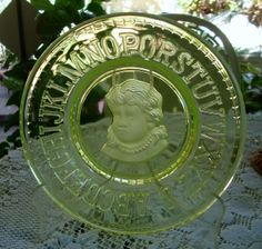 VINTAGE CLAY'S CRYSTAL YELLOW VASELINE GLASS ABC'S CAMEO PLATE GIRL