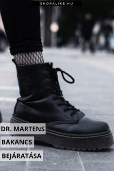 A Dr. Martens bakancs egy valódi ikon a lábbelik között, ami strapabíróságának köszönhetően télen kimondottan kedvelt. Ám az új bakancs viselése eleinte fájdalmas lehet. A Martens csizma anyaga rendkívül vastag és ellenálló, ezért időbe telik, amíg megpuhul. Megmutatjuk, hogyan fogj hozzá új bakancsod betöréséhez. Érdemes időt áldozni rá, hiszen amint bejáratod a Martens-ed, az egyik legkényelmesebb cipőd lesz. #drmartens #télidivat #martensbakancs Dr. Martens, All Black Sneakers, Outfit, Shoes, Fashion, Bebe, Outfits, Moda, Zapatos