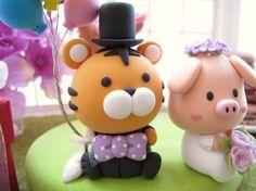 tiger cake topper : )