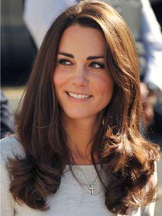 Love Kate Middleton's hair. She's such a classic, feminine beauty.