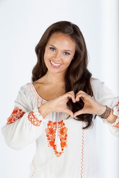 Mako Island of secret H2o Mermaids, Mermaids And Mermen, Mako Island Of Secrets, Mermaid Spells, Mermaid Island, Mermaid Braid, Mermaid Swimming, Ordinary Girls, Female Character Inspiration