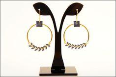 Boucles d'oreilles chaine chevron émaillé et sequin carré émaillé : Boucles d'oreille par lili-confetti