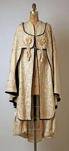 Maison Callot Soeurs Evening Cape of Silk Wool & Fur c. 1900 [1248x2737] #styled247