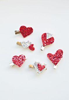 5 Minute Easy DIY Glitter Heart Hair Clips