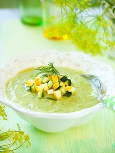 Zucchini Soup with Goat Cheese - Soupe et Potage - Salad Recipes Healthy Healthy Soup Recipes, Easy Salads, Healthy Salad Recipes, Bbq Ribs, Zucchini Soup, Quick Vegetarian Meals, Slow Cooker Soup, Goat Cheese, Stuffed Peppers