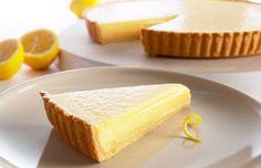 La crostata al limone vegan si può realizzare a partire da una ricetta veramente buona, da preparare con pochissimi ingredienti.