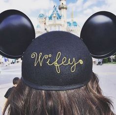 """Ch-""""ears"""" to this wifey spotted at Disneyland Park"""