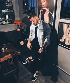 Stylish Mens Outfits, Cool Outfits, Casual Outfits, Men Looks, Vans Outfit Men, Urban Style Outfits, Best Mens Fashion, Fashion Updates, Fashion Books