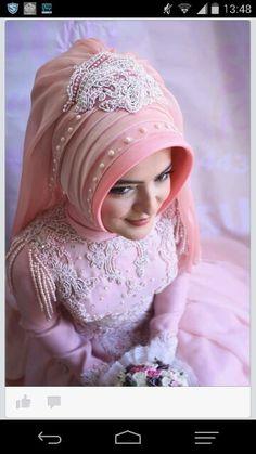 Gelin basi Muslim Wedding Dresses, Wedding Dresses For Girls, Hijab Bride, Girl Hijab, Hijab Fashion, Girl Fashion, Simple Hijab, Hijab Trends, Muslim Women Fashion