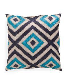 24x24 Velvet Diamond Pattern Pillow