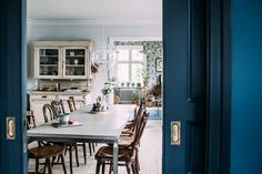 my scandinavian home: A charming home on Sweden's west coast Dining Room Inspiration, Interior Inspiration, Swedish Interiors, Modern Rustic Homes, Interior Decorating, Interior Design, Interior Photo, Classic Interior, Scandinavian Home