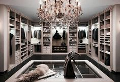 Marzenie Każdej Kobiety - Garderoba