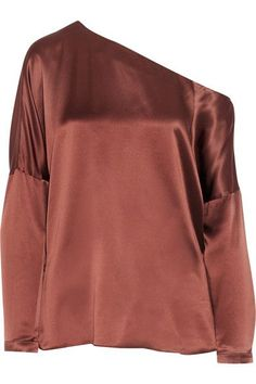 Tibi's top is cut from lustrous silk-satin in a rich brown hue. This loose-fit style has an asymmetric neckline that falls in a flattering off-the-shoulder drape. Tap this season's pajama trend by wearing yours with slides and the matching pants.