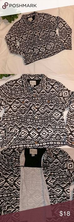 Forever 21 Aztec Print Jean Jacket Gently work black and white long sleeve jacket. Buttons on the front, side, and sleeves. Forever 21 Jackets & Coats Jean Jackets