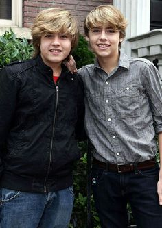 Cole M Sprouse, Dylan Sprouse, Sprouse Bros, Dylan E Cole, Zack Et Cody, Suit Life On Deck, Cole Sprouse Wallpaper, Riverdale Cole Sprouse, Crush Pics