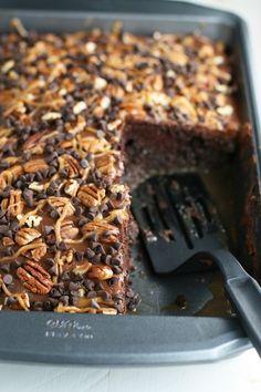 Source: Chocolate Turtle Poke Cake – Mom Loves Baking