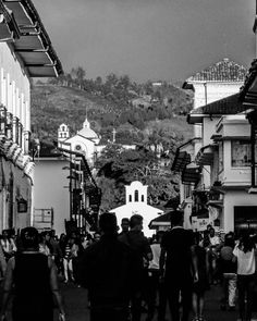 @monicatombe: Multitud  #Popayán #Architecture #Portrait #Landscape #Church #People #Travel #Amazing #Place #Beautiful #Sky #Mountain #Bnw #Picoftheday #Holyweek #Nature #Nikon #Funny #Natgeo #Yourshotphotographer #GaleriaCo #Igerscolombia #Ig_santanderes #InstaSaveApp