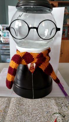 new ideas design flower pot mason jars - Modern Bonbon Harry Potter, Harry Potter Candy, Pot Mason, Mason Jar Crafts, Mason Jars, Clay Pot Projects, Clay Pot Crafts, Bubble Gum Machine, Candy Jars