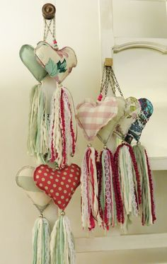 18 Ideas Crochet Heart Sachet Valentines For 2019 Valentine Decorations, Valentine Crafts, Valentines, Deco Dyi, Sewing Crafts, Sewing Projects, Decoration Shabby, Diy And Crafts, Arts And Crafts