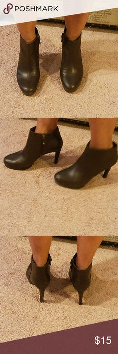 """Rockport booties """"4 inch chocolate brown booties. They are in good shape. They need a good polishing due to the minor normal color fading at tips and heels. ( see pics) No nicks just need a good old fashion polishing. Very comfy. Rockport Shoes Ankle Boots & Booties"""
