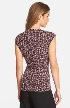 Free shipping and returns on Vince Camuto Hardware Detail Print Keyhole Neck Cap Sleeve Top (Regular & Petite) at Nordstrom.com. Gleaming hardware focuses attention on the tantalizing keyhole neckline of a sleek jersey top framed with cap sleeves. Ruching at the sides and a flaw-camouflaging print adds a bit of forgiveness to the slim fit.