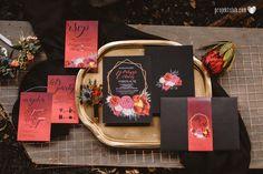 Projekt-slub-papeteria-zaproszenia-czarne-piwonie-marshala-bordo-fuksja-kwiatowe-rockowe-sesja-stylizowana-krakow (19).jpg