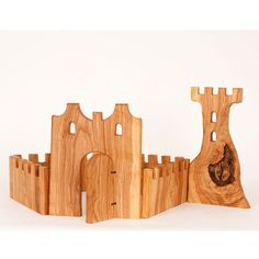 Castle Blocks Set includes six pieces in the following approximate sizes: