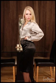 Satin Pencil Skirt, Satin Skirt, Silk Skirt, Satin Dresses, Sexy Blouse, Blouse And Skirt, Sexy Outfits, Cool Outfits, Beautiful Blouses