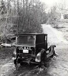 Mail truck...vintage.