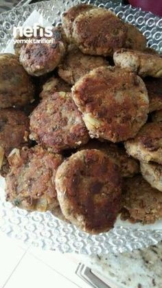 Yesil Mercimek Koftesi (kiymali Gibi Mutlaka Deneyin) Green Lentil Koftesi (Be sure to try it) karatay mutfağı Yummy Recipes, Salad Recipes, Vegan Recipes, Yummy Food, Turkish Recipes, Italian Recipes, Healthy Eating Tips, Healthy Snacks, Lentil Patty