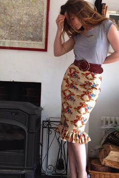 awesome wiggle skirt with added ruffle. pattern similar to my vintage pencil skirt